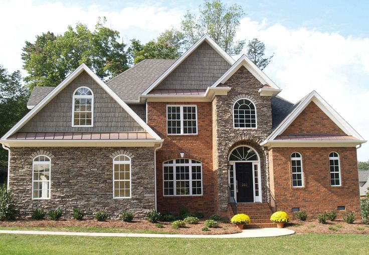 Accents for red brick homes mixed media using brick and - Exterior brick and siding combinations ...