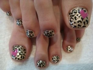 Chic Toe Nail Art Ideas for Summer: Toenails, Heart Nails, Nails Art Ideas, Pink Heart, Leopards Prints, Animal Prints, Leopards Nails, Toes Nails Art, Cheetahs Prints