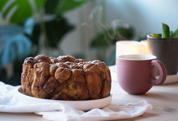 Monkeybread er et lækkert kanelbrød lavet i sjove dejkugler med remonce og kanel - smagen er super og kagen er nem at lave - få opskrift her