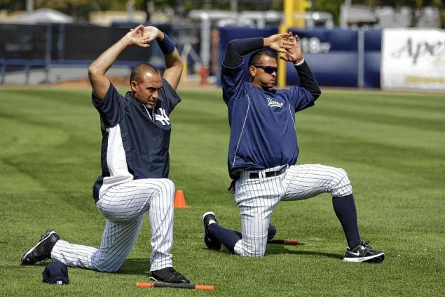 http://www.nydailynews.com/sports/baseball/yankees/aging-alex-rodriguez-eager-avoid-injury-bug-impact-cleanup-spot-yankees-winning-trumps-article-1.1028596?localLinksEnabled=false