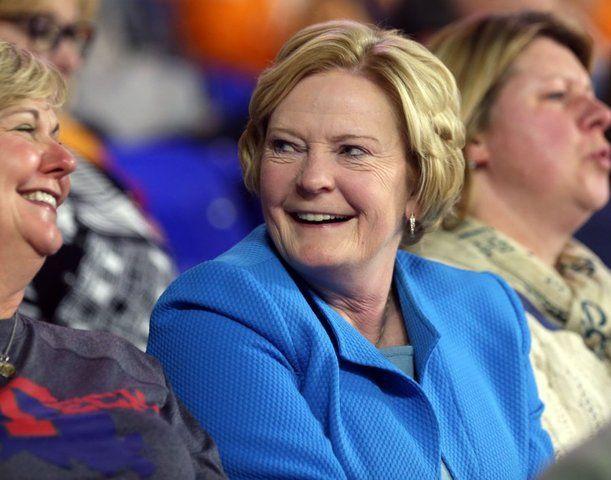 former coach pat volunteers | Former Lady Vols' women's basketball coach Pat Summitt 'struggling ...