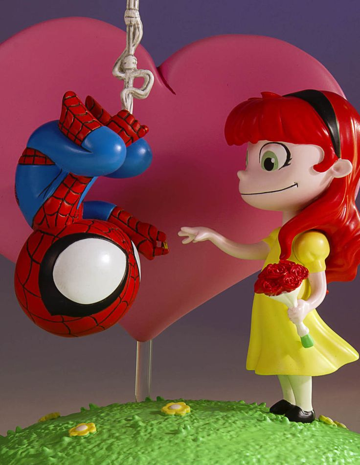Gentle Giant's Marvel Animated Spider-Man and MJ statue