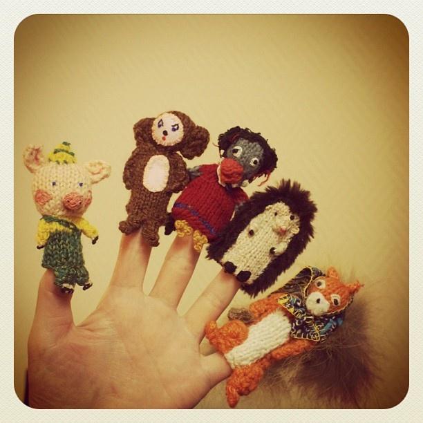 ロシア、モスクワ。指人形のターニャにずっと会えないと思っていたら、病気で入院していたらしく、娘さんのマI am happy to met these lovely finger puppets in Moscow, Russia. - @iokamiho- #webstagram