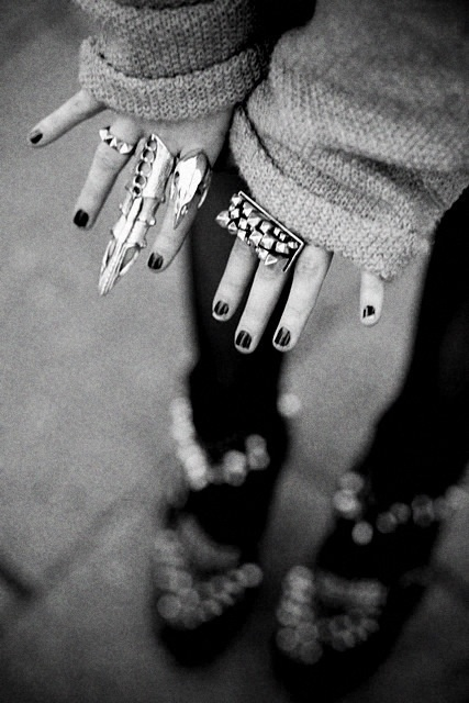 Unique piecesDark Nails, Swag Outfit, Style, Middle Fingers, Black Nails, Fashion Rings, Nails Polish, Accessories, Silver Rings