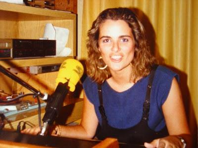 """Mis comienzos en la SERHubo un tiempo en que la radiofueparte indispensable de mi vida. Empecé un poco por casualidad y como consecuencia de mis andanzas de disc jokey por """"pubs"""" de lo más variopinto. Se puede decir que me """"cazaron"""" para la radio, y por ella dejé algunas cosas que hasta entonces"""