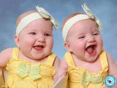 foto anak bayi kembar lucu