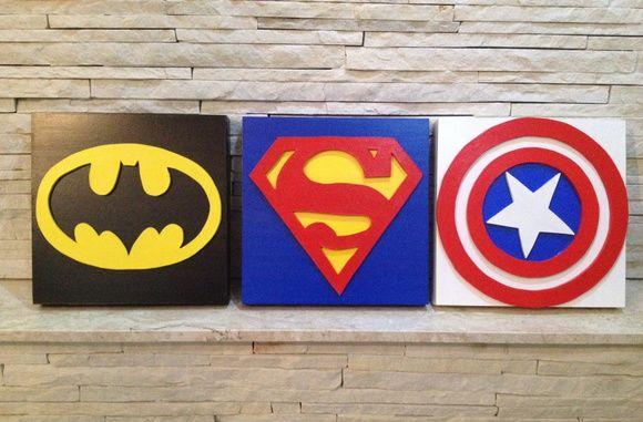 Quadro Temático Heróis (Batman, Capitão America, Superman, Homem Aranha, Homem de Ferro, Lanterna Verde, Flash, Mulher Maravilha, Justiceiro) Fazemos outros temas sob encomenda! 30x30 cm MDF e aplique pintados a mão O valor se refere a cada quadro. R$ 45,00