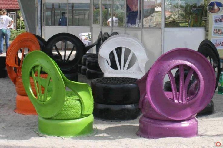 Vous êtes en manque d'inspiration pour vos chaises de jardin ? Optez pour les pneus repeints avec les couleurs du printemps ! Vos chaises pourront affronter la pluie, le soleil et toutes les autres épreuves de la météo...