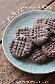 Diese Puddingplätzchen schmelzen förmlich im Mund und schmecken hervorragend nach Schokolade! Perfekt für den nächsten Kaffeeklatsch – Melanie