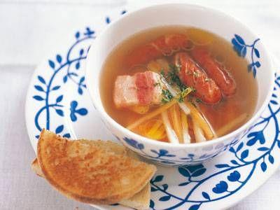 エリザベスープ: じゃがいもにウインナソーセージやベーコンを入れたリッチなスープ