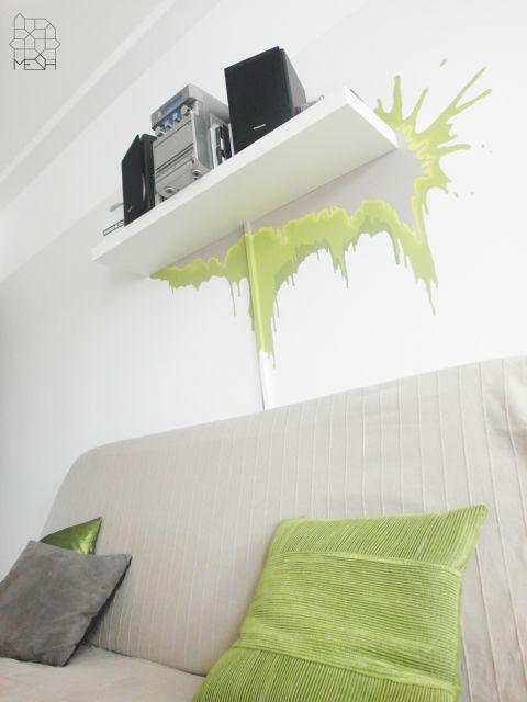 Mural w pokoju dziennym w mieszkaniu prywatnym