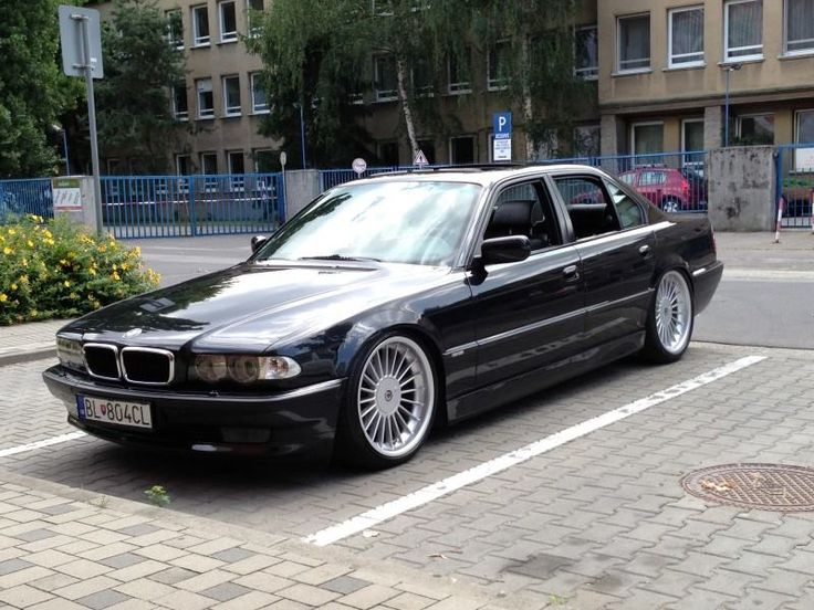 JUST BMW E38 : Photo