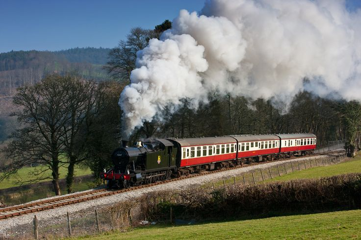 Brush off those Christmas day blues with a trip on the Winter Steam Up train at #BodminRailway! Three locomotives in steam and an intensive timetable. One not to be missed!