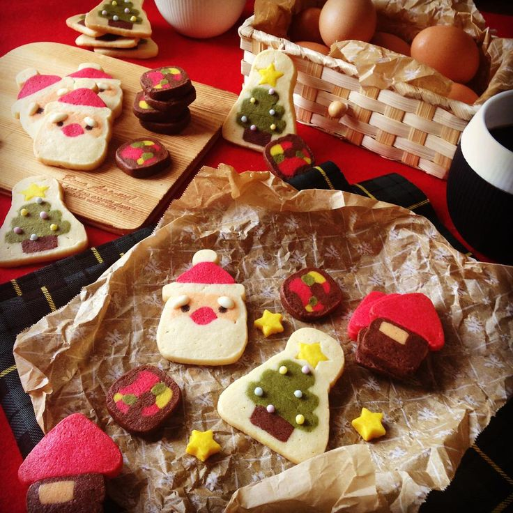 「Xmasアイスボックスクッキー  サンタクロース、ツリー、後は適当に作ってみましたーヽ(≧▽≦)ノ 金太郎飴みたいで可愛い(*≧艸≦)…」
