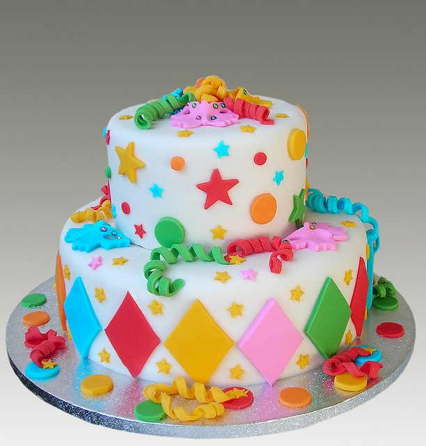 Very cute cake for a birthday at any age!