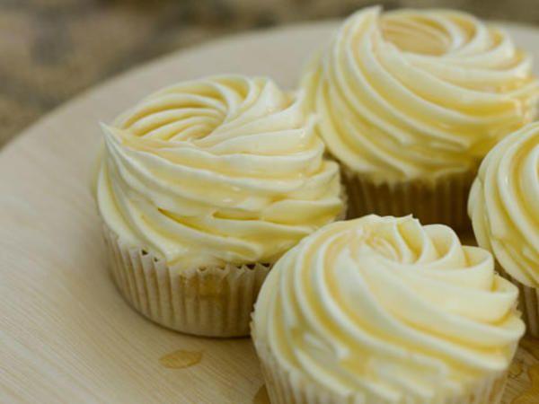 Citroncupcakes med honungsfrosting