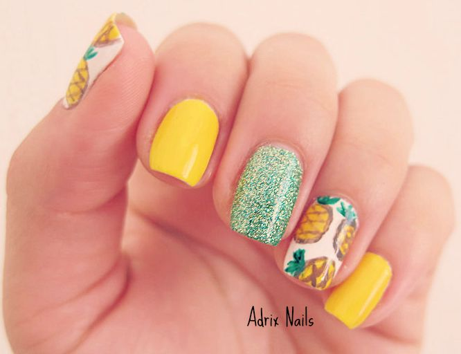 En colaboración con @fashionstreammx Summer Trend - Pineapples #nails #nailart #esmaltes #verano #pineapples #piñas