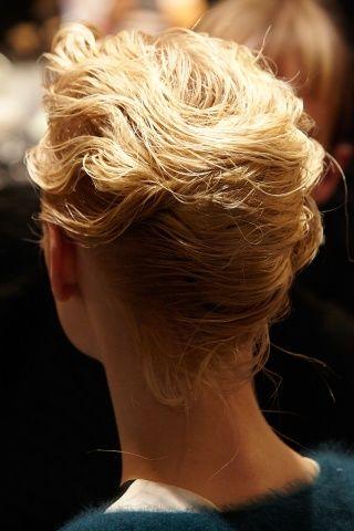 My favorite hairstyle by Alberta Ferretti. For this season... so cute!!!