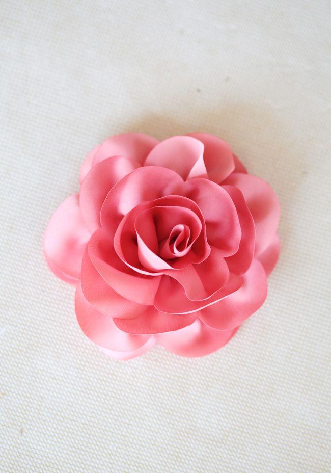 dainty flora hair clip: Hair Flowers, Vintage Accessories, Hair Clips, Flowers Hair, Rose Hair, Coral Rose, Flora Hair, Dainty Flora, Floral Hair
