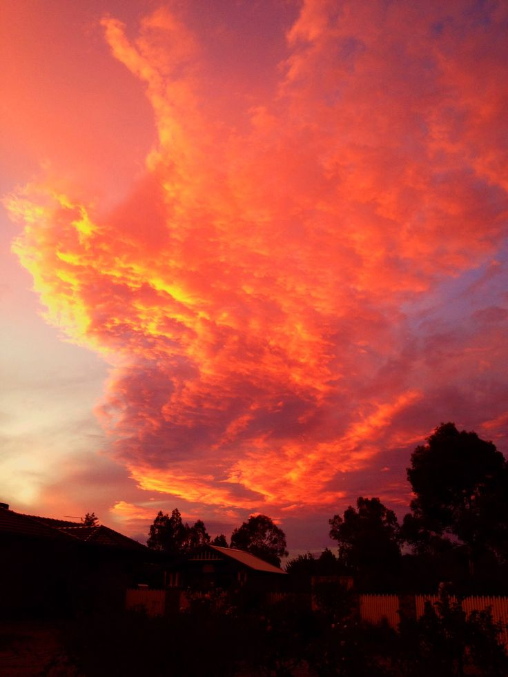 The sunset skies Mar 2014 at Tamworth NSW. #PeggyGilchrist
