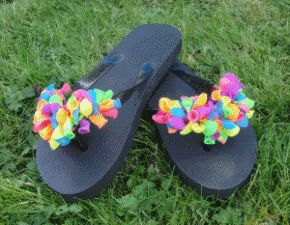 Decorate your own flip flops as favors (water balloons or large flowers)