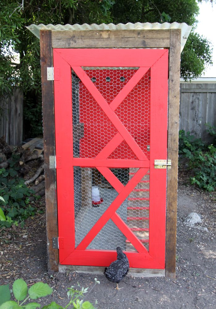 small + friendly: DIY Chicken Coop