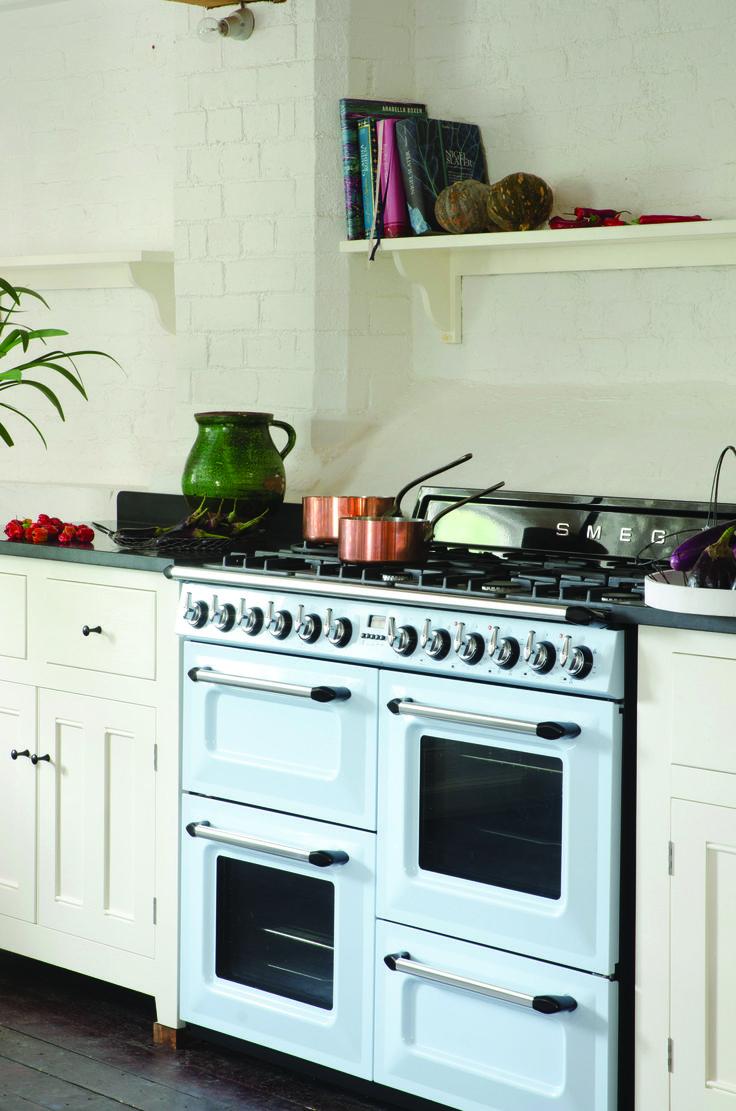 Smeg cooker tr4110 110cm victoria dual fuel range for Smeg kitchen designs