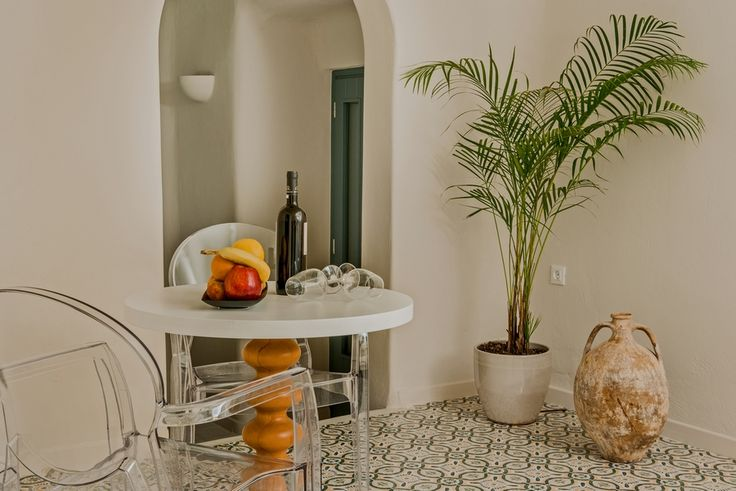 Enjoy the utmost pleasure, relaxation and privacy in Luna Santorini Suites and Pyrgos, close enough to the center and, in the same time, far enough from the crowds that are inundating it.