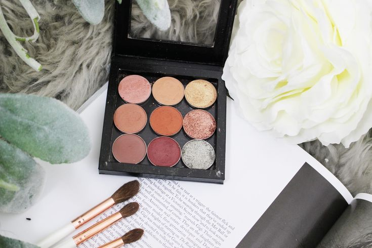 HOW TO BUILD A CUSTOM EYESHADOW PALETTE YOU WILL USE TIME AND TIME AGAIN