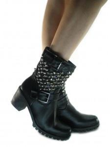 Stivali Anfibi con le Borchie linea Urban Style Pelle Lucida