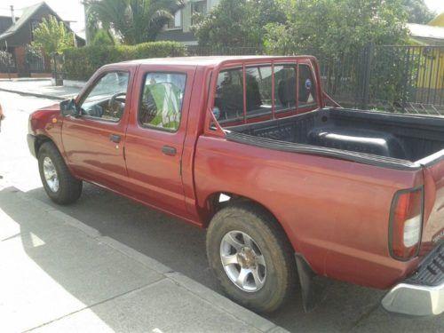 Vendo camioneta Nissan terrano doble cabina año 2007 deasel 2.5, documentacion al dia buenas cndicines , se vende por apuro economico, conversable solo interesados al 988825554