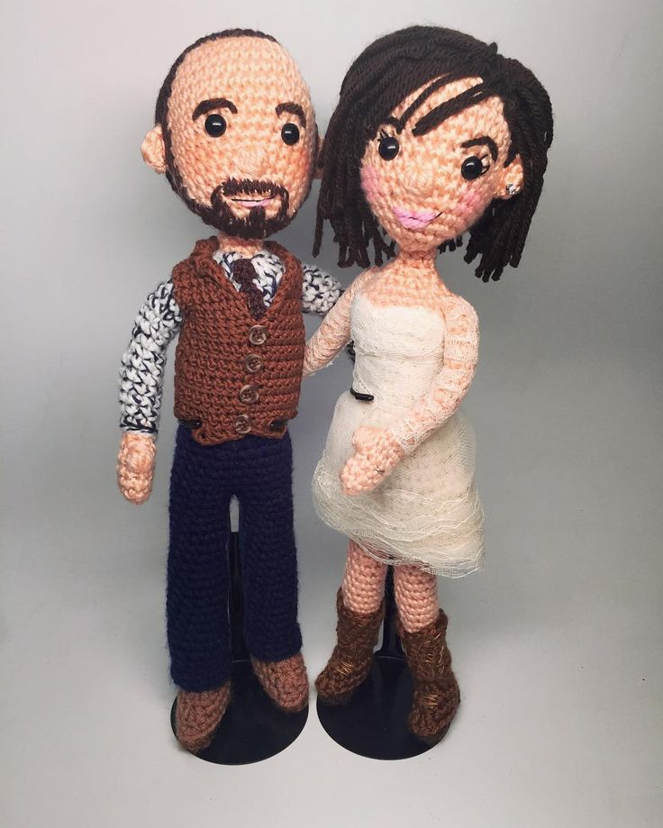 "craftyiscool: ""It was a privilege to make these wedding dolls for Lindsay & Neil ❤️ Congratulations! Email me if you'd like #AmiguruME #portraitdolls like these! http://ift.tt/1VHt2mR """