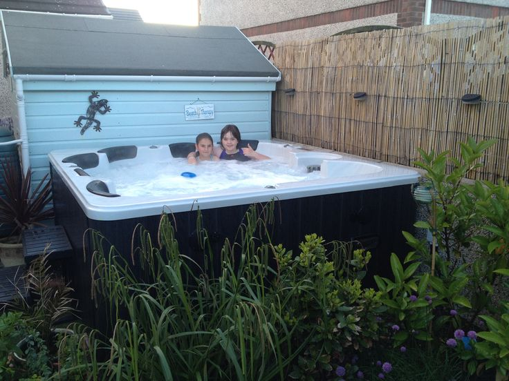 #Hot_tubs_for_sale