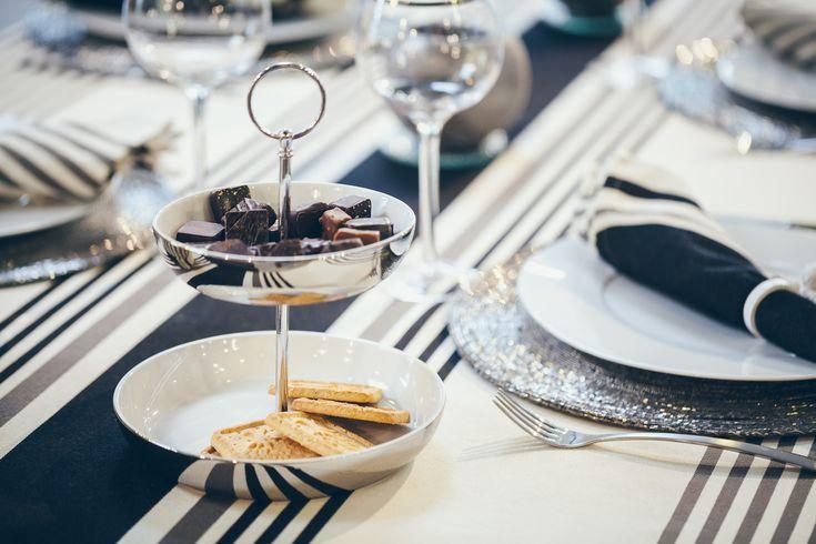 decorez vos tables pour noel avec du linge basque txomin noir