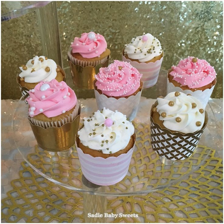 Pink and gold pretty cupcakes for a