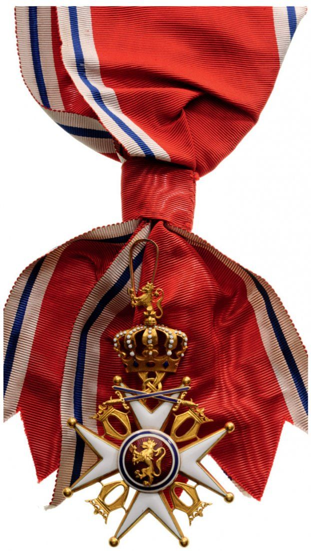 ORDER OF SAINT OLAF Grand Cross Badge, Military : Lot 1434  norway olav   red ribbon sash  lion on red circle  brooch  white star