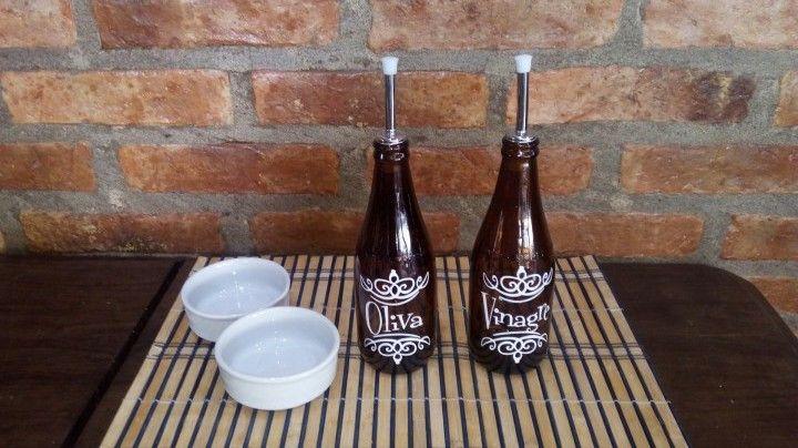 Botellas para mesa de aceite, oliva, vinagre y aceto con diferentes opciones de dosificador o pico antigoteo. Se vende en conjunto