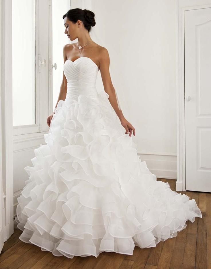 les mariees de rennes boutique de robes de mari es sur rennes robe de mari e wedding. Black Bedroom Furniture Sets. Home Design Ideas