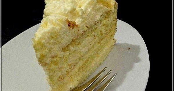 Tortát sütöttem, citromkrémeset. A krém meyer lemon curd és mascarpone keveréke volt. Szerettük... Hozzávalók a piskótához: ...