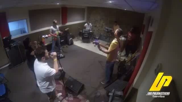 @lospolifaceticos en  #martesdeensayopolifacetico esta noche con @caibomusica a GOZAR!!!!! #talentoregional #talentonacional #musica #banda #eventos #maracaibo #PuntoFijo #like4like #musica #falcon #paraguana #instagood #nuestraciudad #love #caibo #spot #video by puntofijoguiatv
