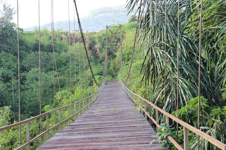 Jembatan Lapuk yg ditinggal penduduknya .. Taruko