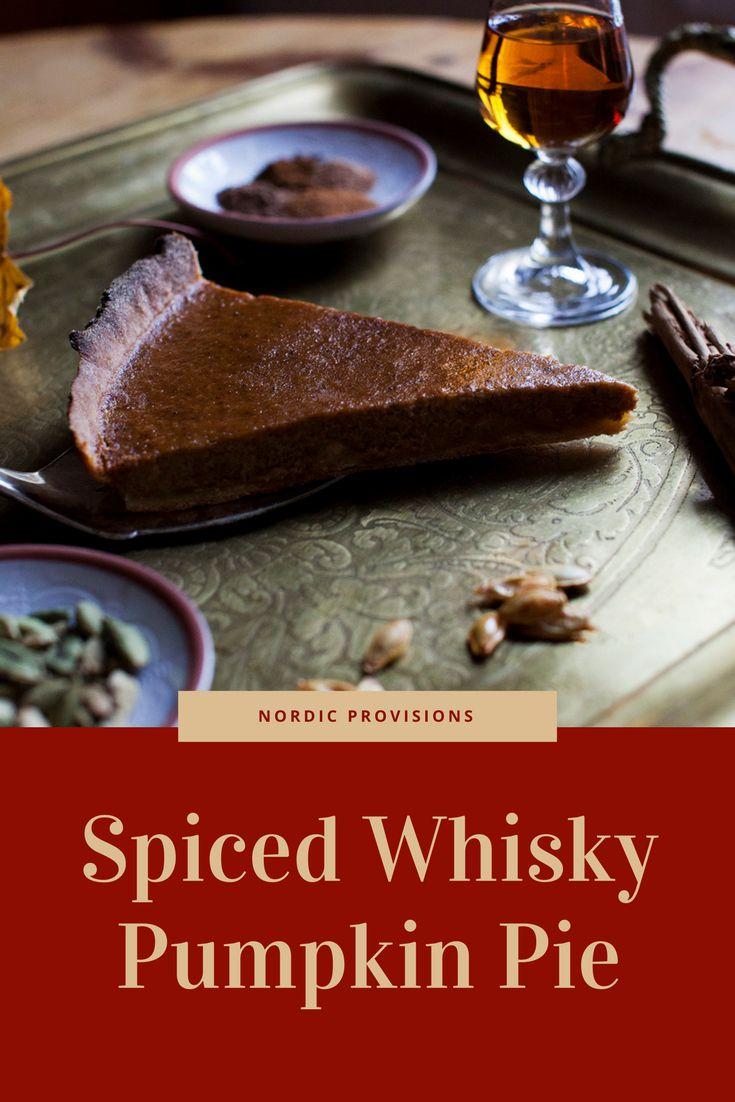 Spiced whisky pumpkin pie with cinnamon, vanilla, cardamom, nutmeg and ginger. #pumpkin #pumpkinpie #autumn #pie #baking