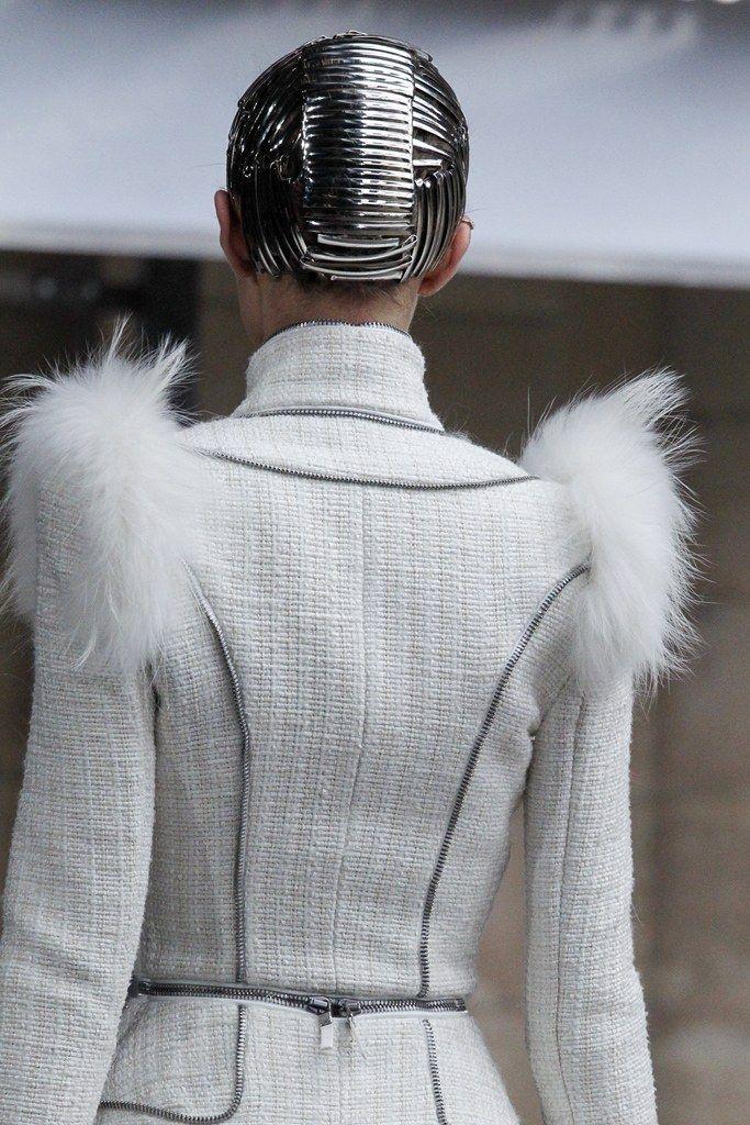 Alexander McQueen Fall 2011 Ready-to-Wear Accessories Photos - Vogue