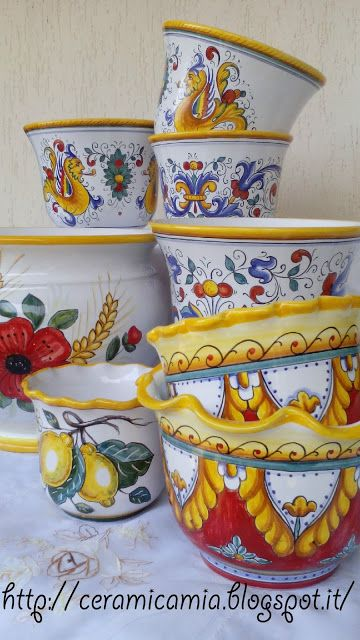 flower pot, hand-painted #ceramicart  #Italy