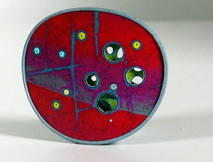 Double plated Cellularia brooch