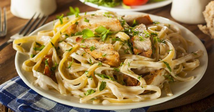 Je craque pour la sauce Alfredo faite maison, délicieuse, savoureuse et goûteuse