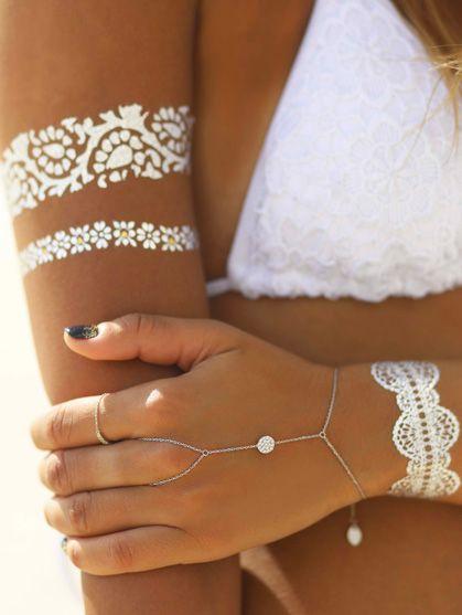 tatouage temporaire bijou de corps pour mariage, bijou de peau visage pied et main pour mariee