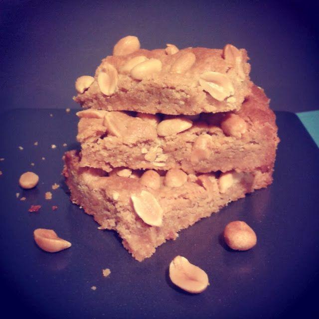 Peanut butter blondies (vegan cookies)