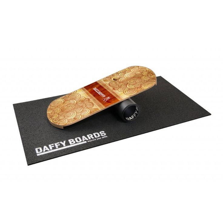 Das Balance Board im Set mit Bodenschutzmatte und Rolle.