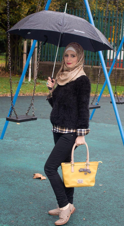 Checked shirt and black jumper #hijab #hijabi #hijabfashion #maternity #fashion #check #shirt #pregnancystyle